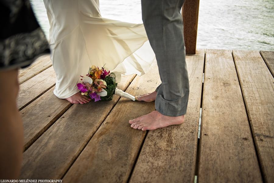 Bridal Bouquet and barefeet wedding.  Belize wedding photographer, Leonardo Melendez.