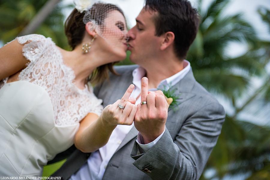 Belize wedding at Victoria House, Ambergris Caye.  Belize wedding photographer, Leonardo Melendez.