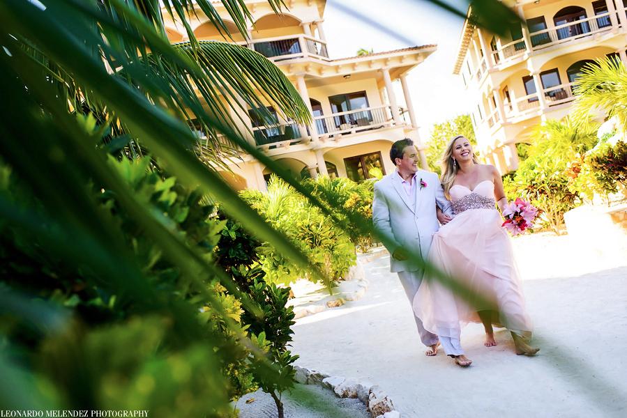 Belize Coco Beach wedding, Belize wedding photographers, Leonardo Melendez Photography.