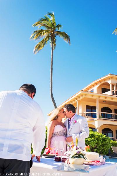 Belize Coco Beach wedding, Belize weddings. Belize wedding photographers, Leonardo Melendez Photography.