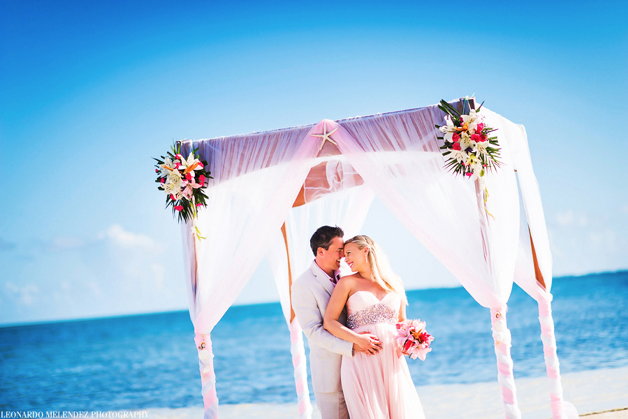 Belize Coco Beach Wedding Photographers Leonardo Melendez Photography