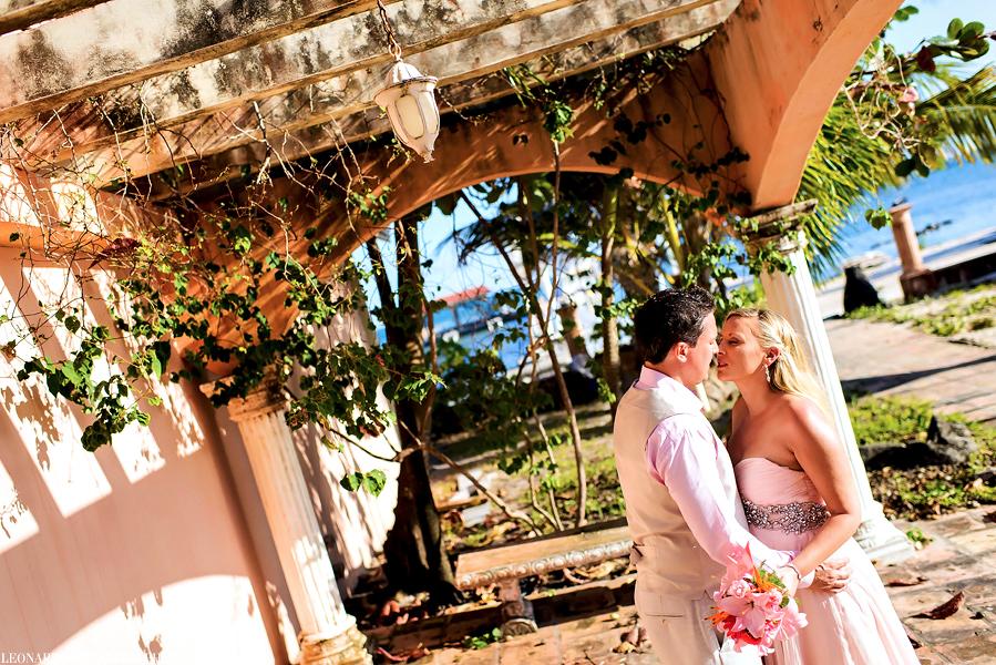 Belize Coco Beach wedding, Ambergris Caye, Belize wedding photographers, Leonardo Melendez Photography.