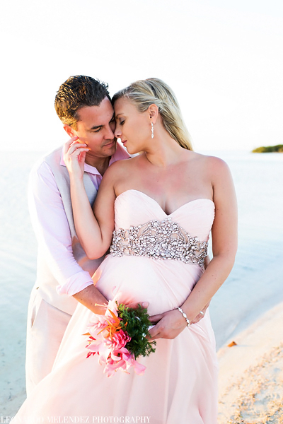 Belize beach wedding, belize wedding photographer, Leonardo Melendez