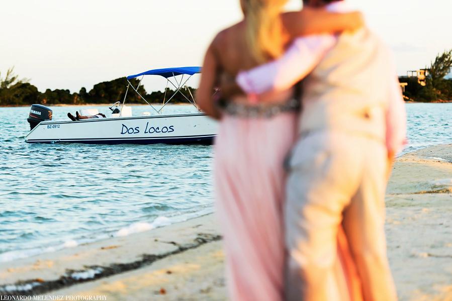 Belize wedding on Ambergris Caye, Belize wedding photograper, Leonardo Melendez