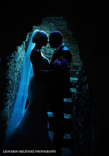 Belize Mayan Ruins wedding, Cahal Pech. Belize wedding photography by Leonardo Melendez Photography.