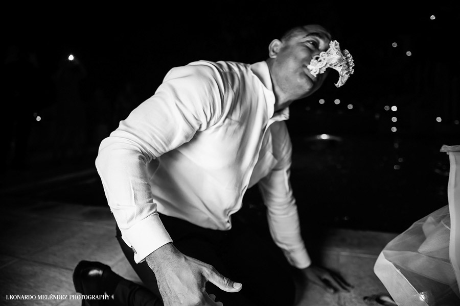 Belize wedding, San Ignacio Resort Hotel. Belize wedding photography by Leonardo Melendez Photography.