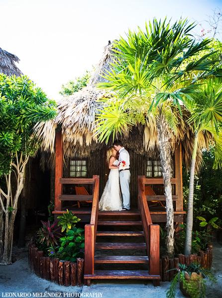 Belize wedding photography at Ramon's Village, Ambergris Caye. Belize wedding photographer, Leonardo Melendez.