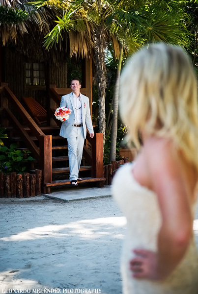 Belize wedding at Ramon's Village. Belize wedding photographer, Leonardo Melendez.