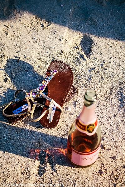 Wedding shoes. Belize beach wedding, Ambergris Caye. Belize wedding photography by Leonardo Melendez.