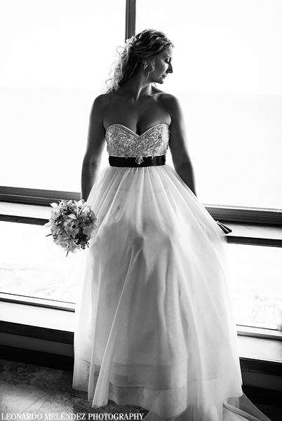 Captain Morgan's wedding.  Belize wedding photographer, Leonardo Melendez.