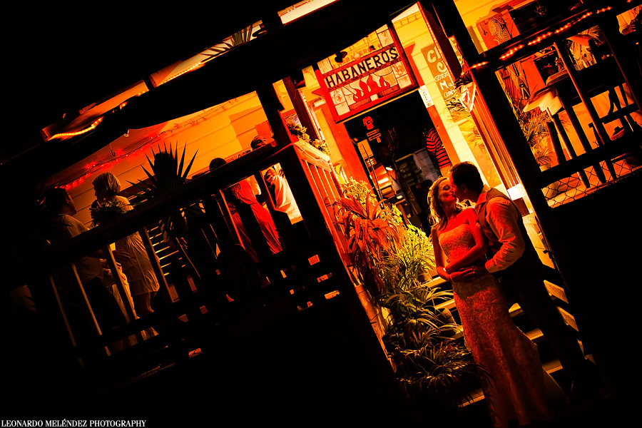 Caye Caulker Belize wedding photography by Leonardo Melendez Photography.