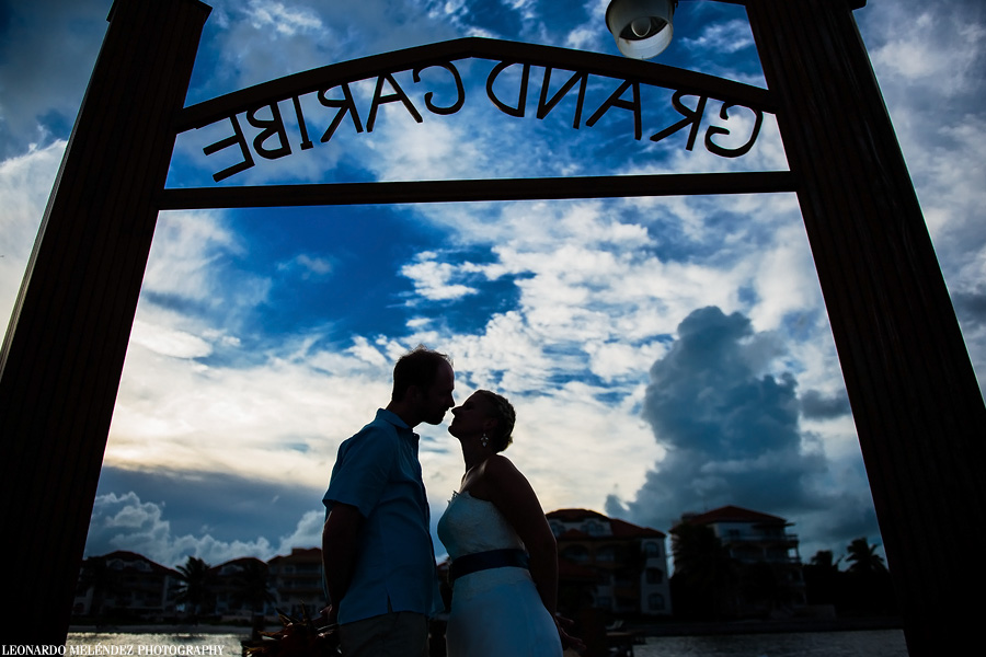 Belize wedding, Grand Caribe Resort.  Belize wedding photography by Leonardo Melendez Photography.
