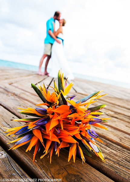 Belize wedding at Grand Caribe Resort.  Belize wedding photography by Leonardo Melendez Photography.