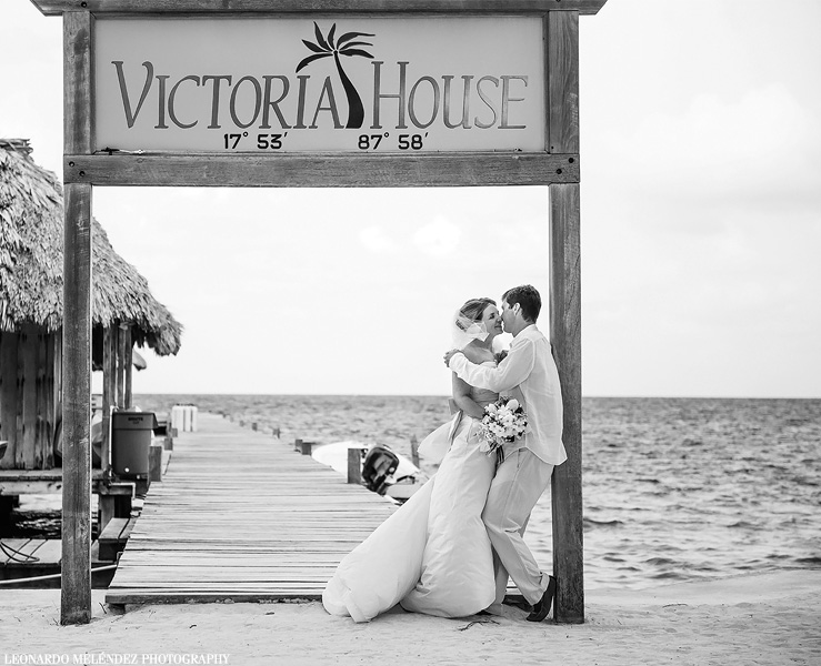 Belize wedding at Victoria House. Belize wedding photography by Leonardo Melendez Photography.