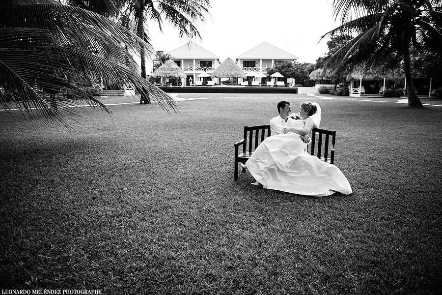 Victoria House wedding. Belize wedding photography by Leonardo Melendez.