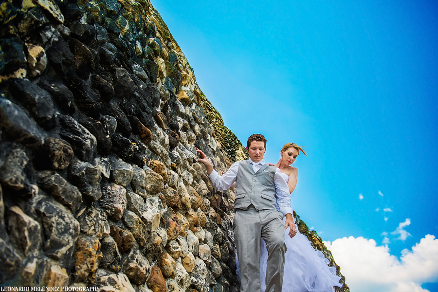 Xunantunich Mayan Ruins wedding. Belize wedding photographer, Leonardo Melendez Photography.
