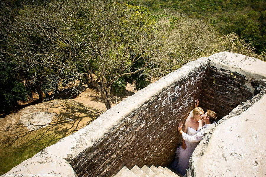 Belize wedding at Xunantunich Mayan Ruins. Belize wedding photography by Leonardo Melendez Photography.