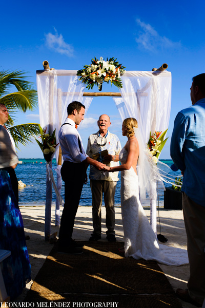 Belize beach wedding at Las Terrazas Resort.  Belize wedding photography by Leonardo Melendez Photography.