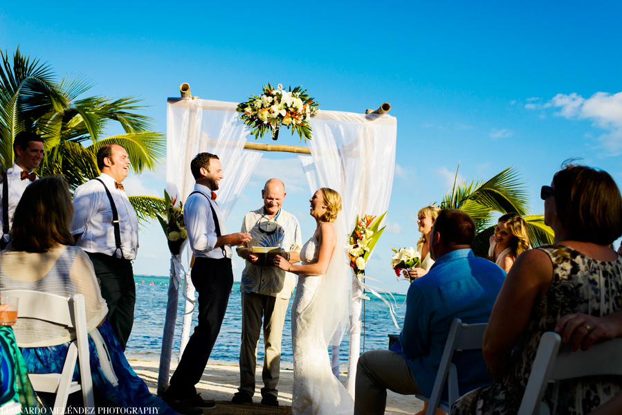 Belize wedding at Las Terrazas Resort.  Belize wedding photography by Leonardo Melendez Photography.