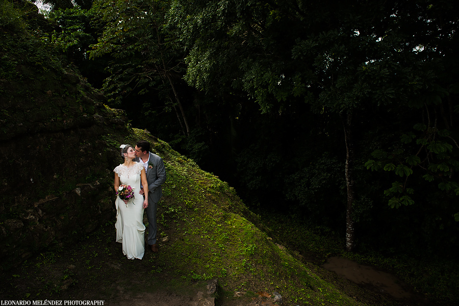 Altun Ha Belize Mayan Ruins wedding, Belize wedding photography by Leonardo Melendez Photography.