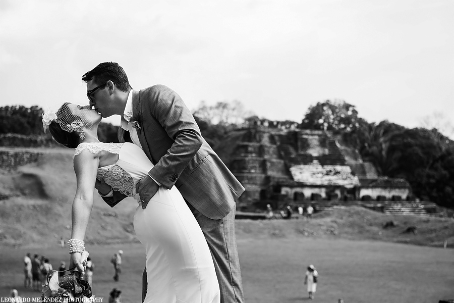 Belize Mayan Ruins wedding, Belize wedding photographer, Leonardo Melendez