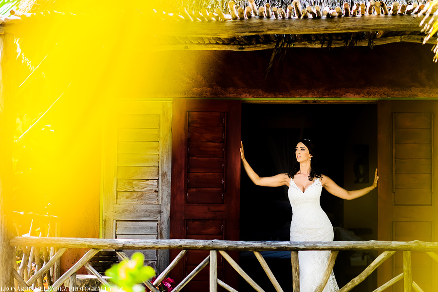 Belize wedding at Ak'bol Resort, Ambergris Caye.  Belize wedding photography by Leonardo Melendez Photography.