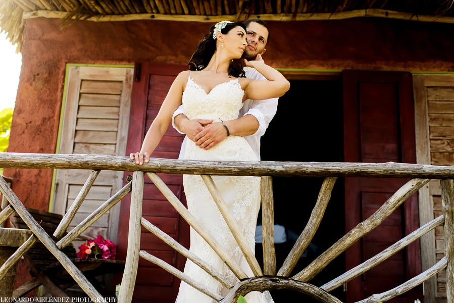 Beach wedding at Ak'bol Resort  | Belize wedding photographer - Leonardo Melendez Photography