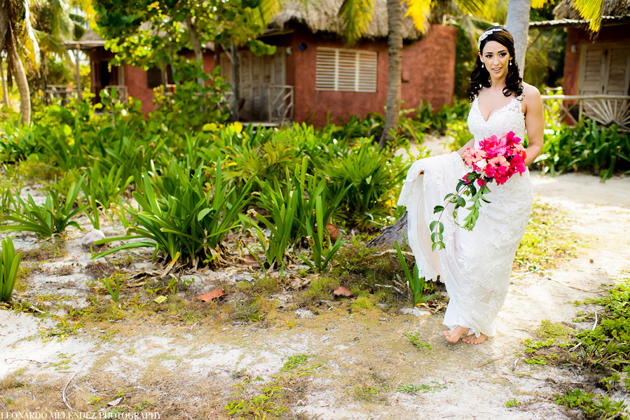 Beach wedding at Ak'bol Resort | Leonardo Melendez Photography