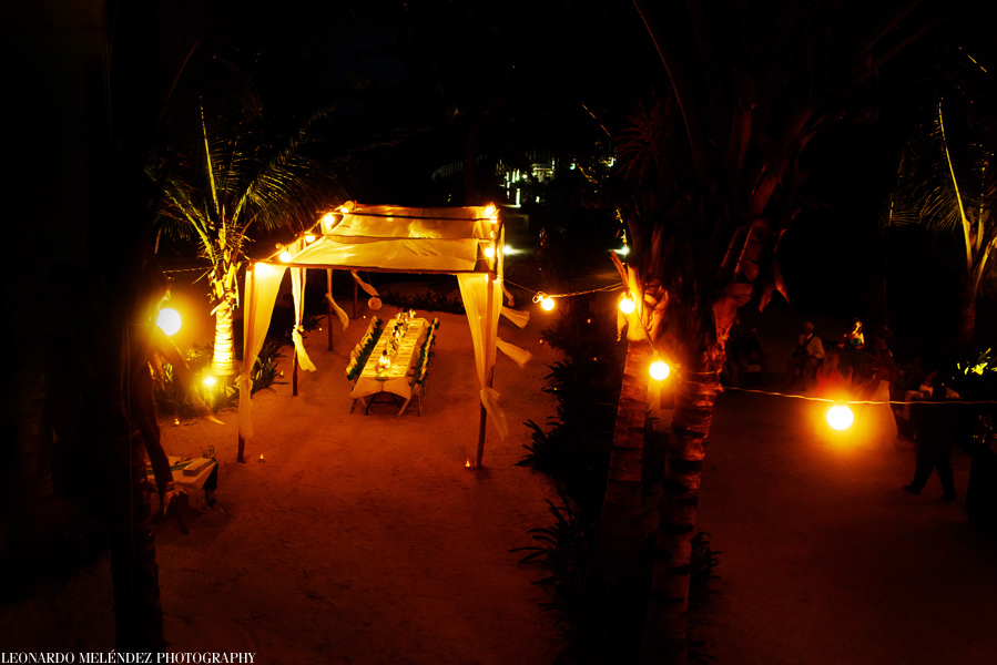 Belize wedding at Las Terrazas Resort. Belize wedding photographers, Leonardo Melendez Photography