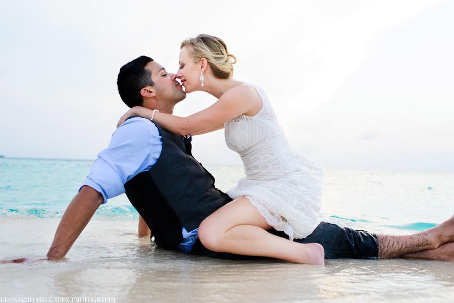 Goffs Caye wedding. Belize wedding photography by Leonardo Melendez Photography