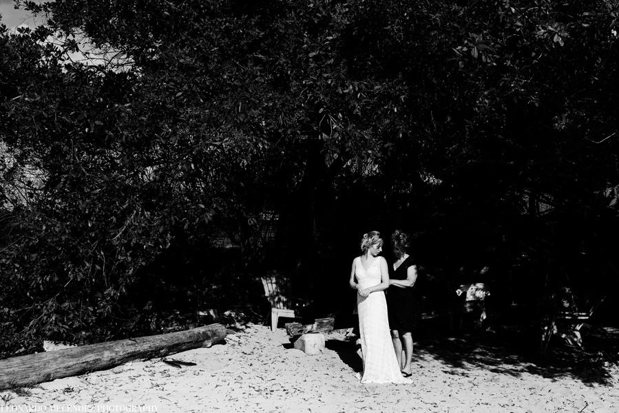 Goffs Caye wedding. Belize wedding photography by Leonardo Melendez Photography