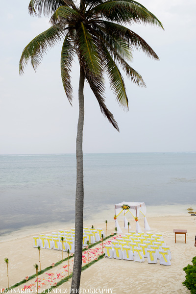 Belize Beach Wedding at Coco Beach Resort.  Belize wedding photographers, Leonardo Melendez Photography.