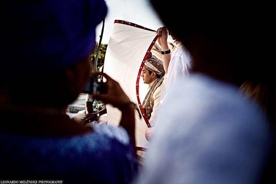 Belize Hindu Destination wedding at Grand Caribe. Belize wedding photography by Leonardo Melendez Photography.