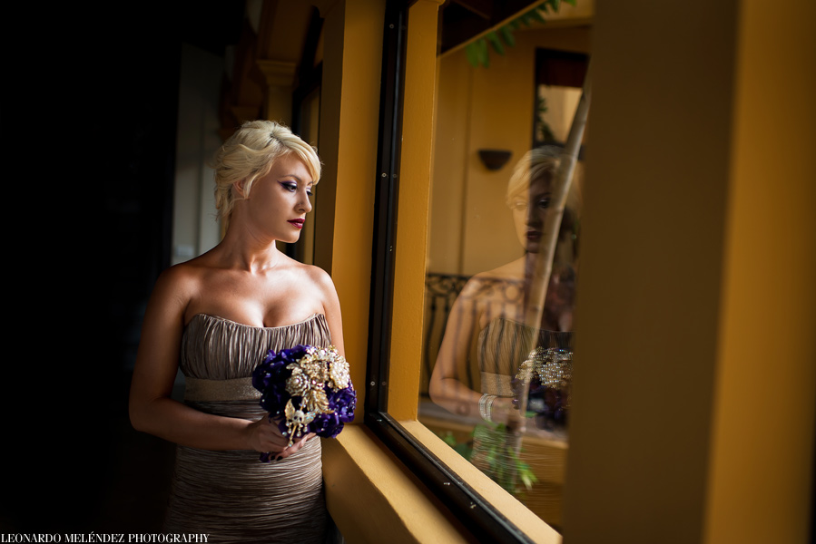 Hopkins Belize wedding at Villa Verano photographed by Belize wedding photographer, Leonardo Melendez.