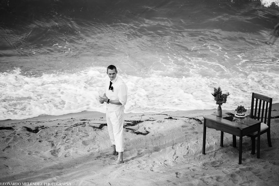Belize beach wedding at Villa Verano, Hopkins.  Leonardo Melendez Photography.