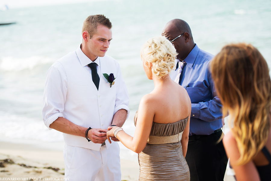 Belize beach wedding at Villa Verano in Hopkins.  Leonardo Melendez Photography.