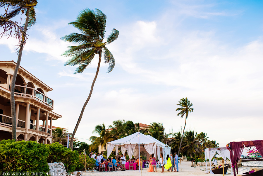 Belize wedding at Coco Beach Resort.  Belize wedding photography by Leonardo Melendez Photography.