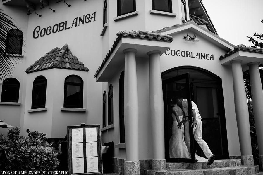 Coco Beach Resort wedding. Belize wedding photographers, Leonardo Melendez Photography.