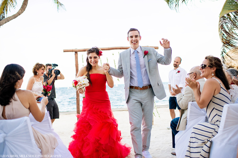 Belize Victoria House Wedding. Belize wedding photographers, Leonardo Melendez Photography.
