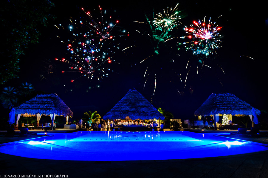 belize_ocean_club_party_fireworks