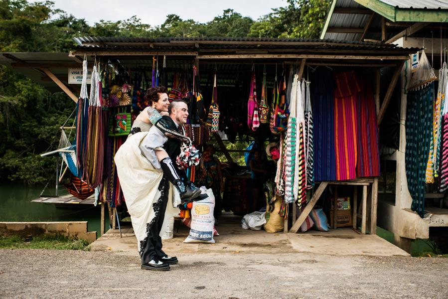 Belize wedding at Xunantunich Mayan Ruins.  Leonardo Melendez Photography.
