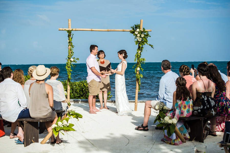 Caye Caulker beach wedding.  Belize wedding photographers, Leonardo Melendez Photography.