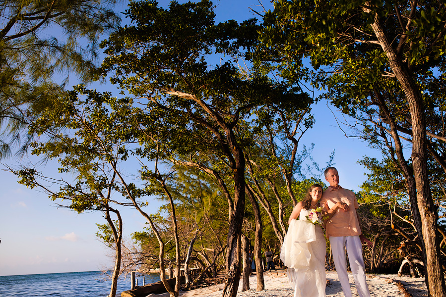 Thatch_Caye_Island_Resort_Belize_Wedding_CarriePeter_019