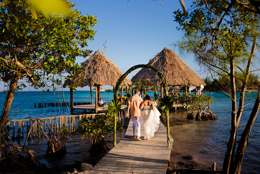 Thatch_Caye_Island_Resort_Belize_Wedding_CarriePeter_020