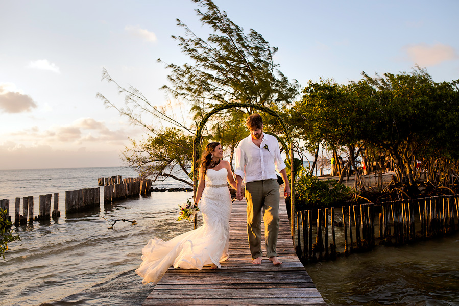 Thatch_Caye_Island_Resort_Belize_Wedding_CarriePeter_023